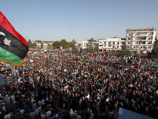 Demonstration_in_Bayda_(Libya,_2011-07-22)