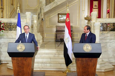 French president arrives in Egypt, business deals in sights